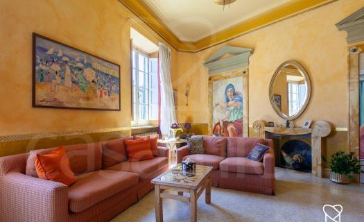 3990, Una casa di colori in un palazzo d'epoca