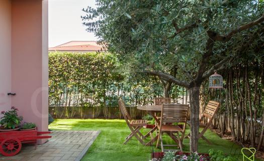 1181, Lucca zona Arancio appartamento con giardino