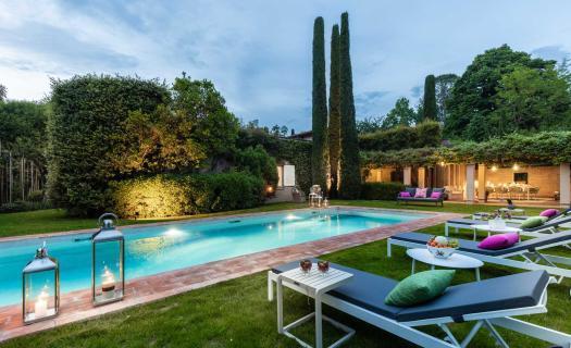 8888, Secret escape luxury villa next Lucca