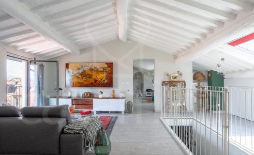 0122, Un loft moderno e spazioso
