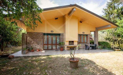 0188, Villa moderna con giardino