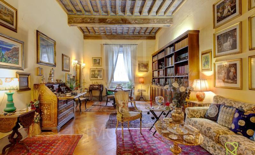 303, Appartamento zona Duomo di Lucca