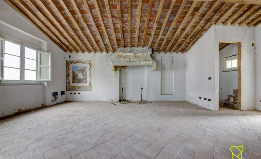 3700, Appartamento in palazzo nobiliare a Lucca